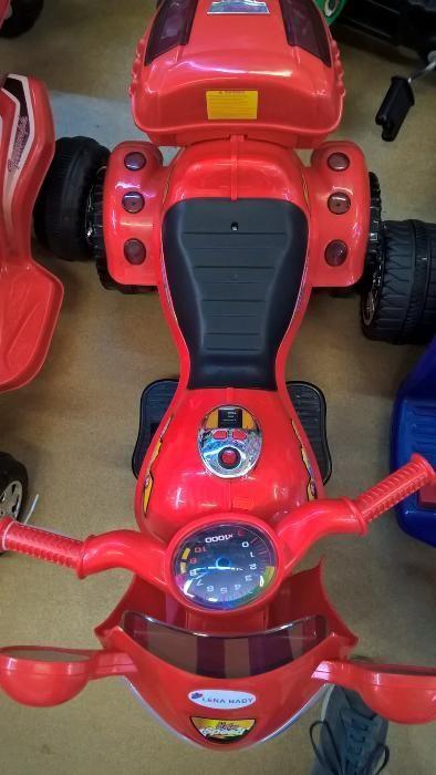 Motocicleta electrica rosie