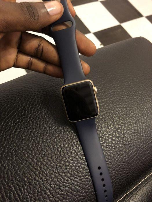 Vendo urgente Apple Watch série 2 usado Maianga - imagem 5