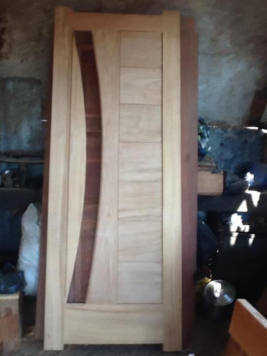 Carpinteiro.especializado em fabrico de portas janelas e mobilia