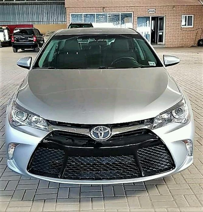 Toyota Camery Avenda