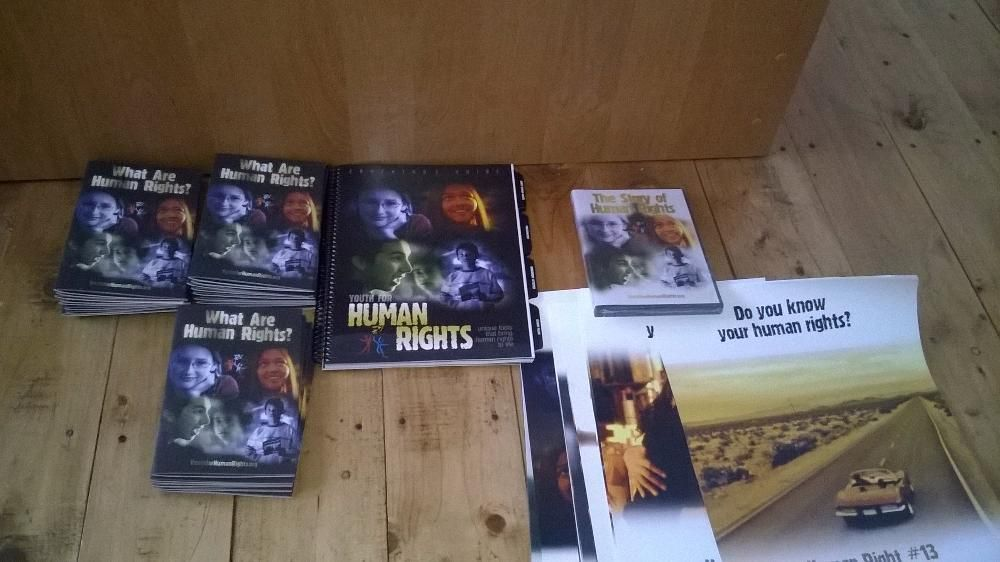 Human rights -materiale colectie-cd-postere