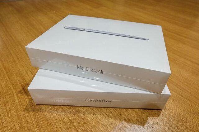 "Macbook Air 11"" intel Core i5 1.6 4GB 128GB selados"