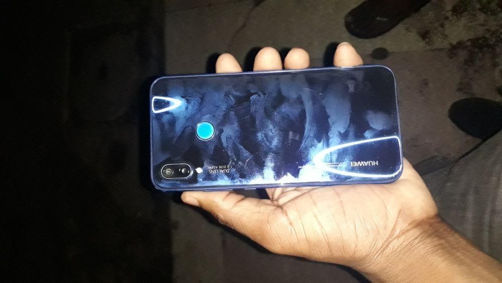Huawei p20 lite 64GB Azul com caixa Bairro Central - imagem 4