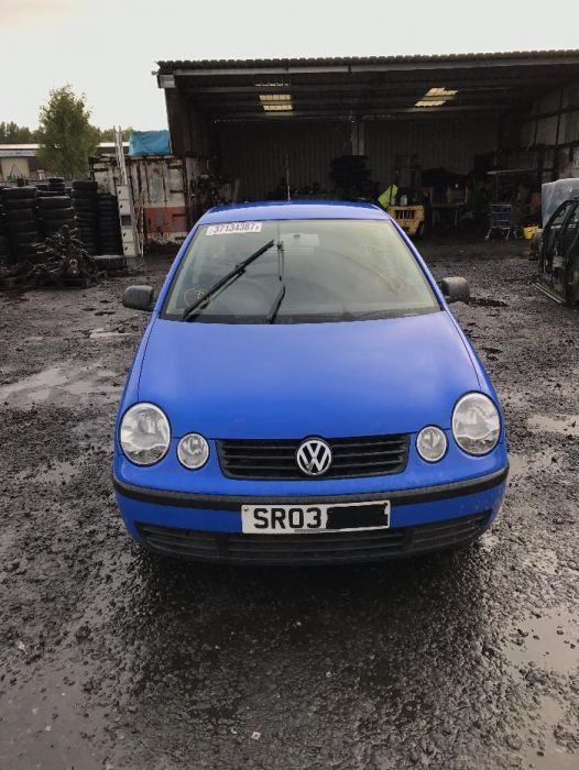 Dezmembrari VW Polo 9N albastru deschis cod motor AWY