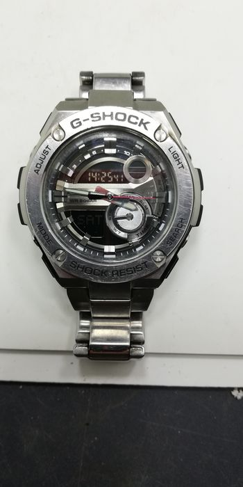Часы Casio G-Shok, металлические. Обмен на цифровую fullhd видеокамеру