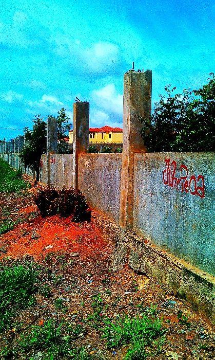 Vende se terreno 1ht na zona verde 1 rua 12 ja esta murado