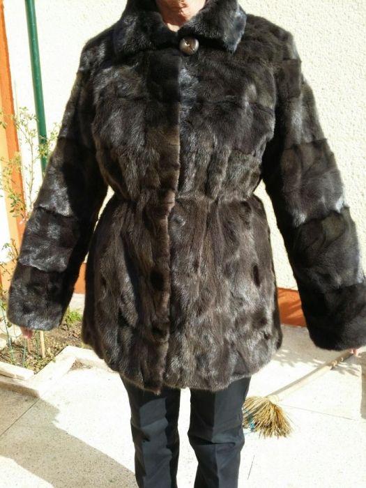 Vând haina nurca