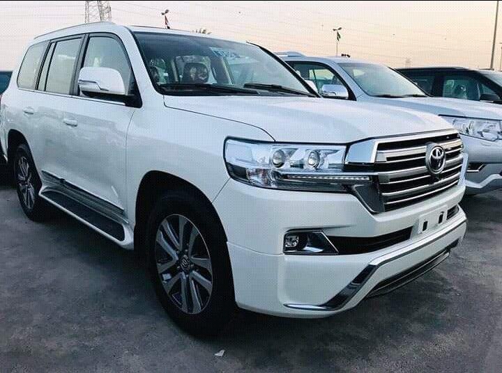 Toyota Landcruiser VxR
