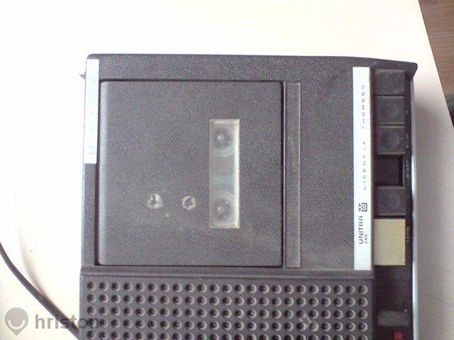 Продавам касетофон Унитра - лиценз на Томсън