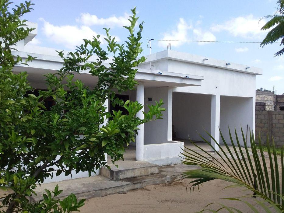 Venda de Casa Intaka 2, Placa Super espaçosa. Energia e Agua 350