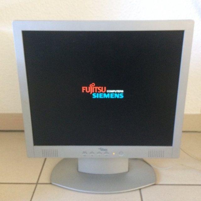 """Монитор 19"""" Fujitsu SCALEOVIEW T19-1 со встроенными колонками"""