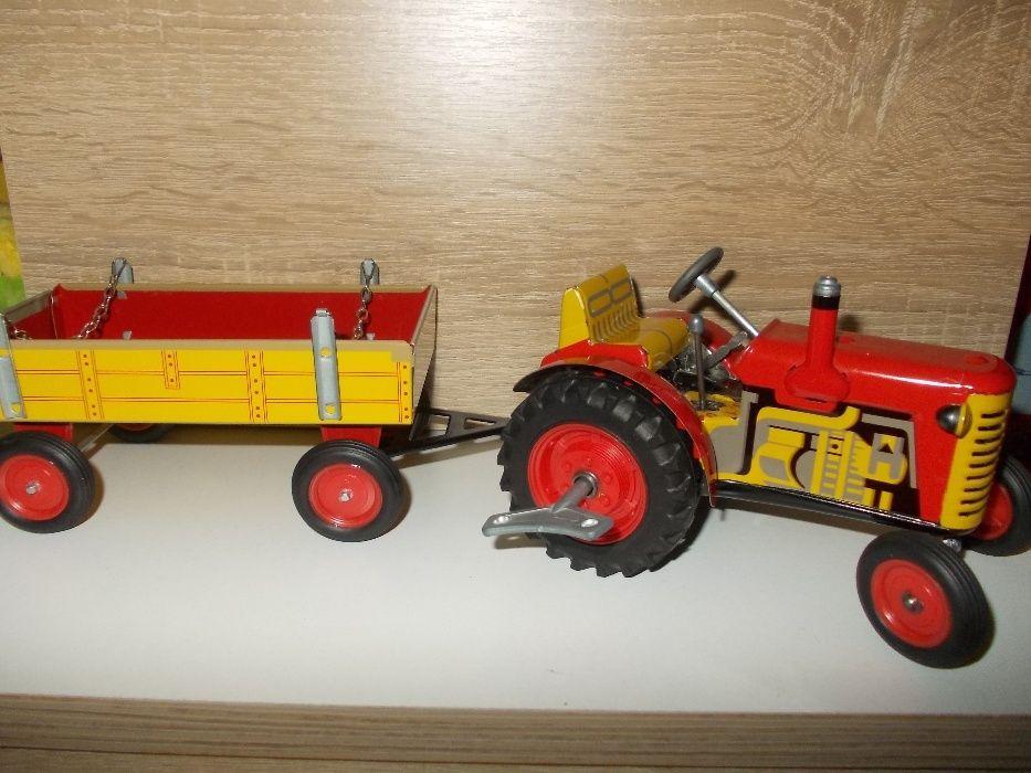 Tractor ZETOR cu remorcă .
