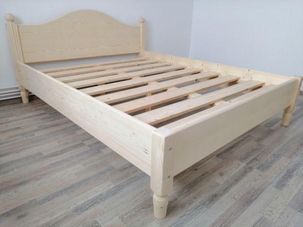 Pat din lemn masiv foarte solid