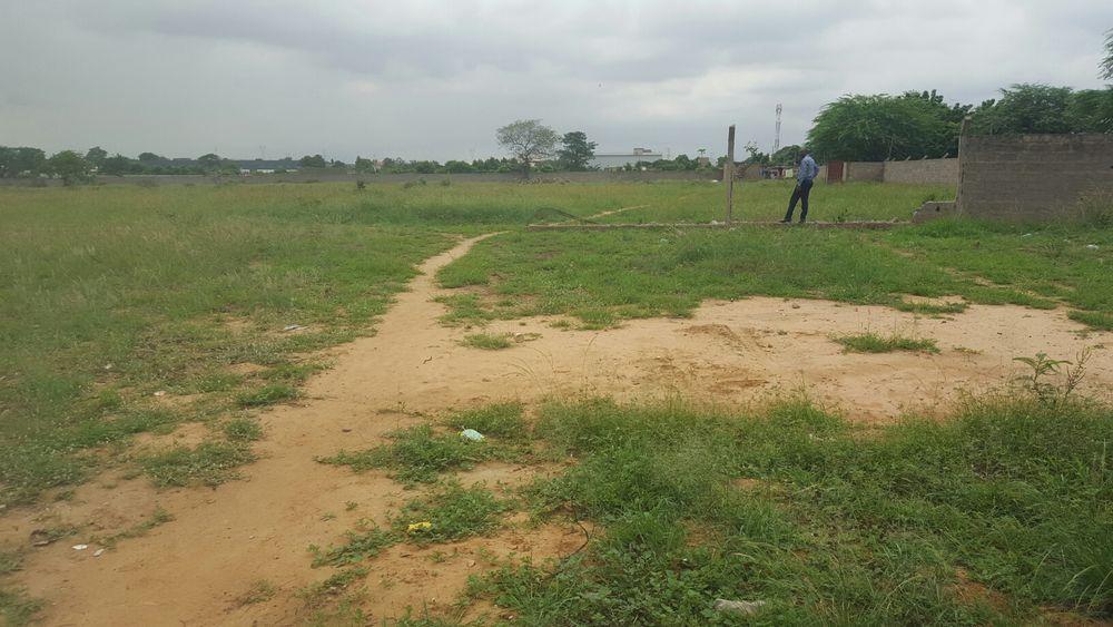Terreno 40x30 zona Vip no junto Universidade Kalandula Camama