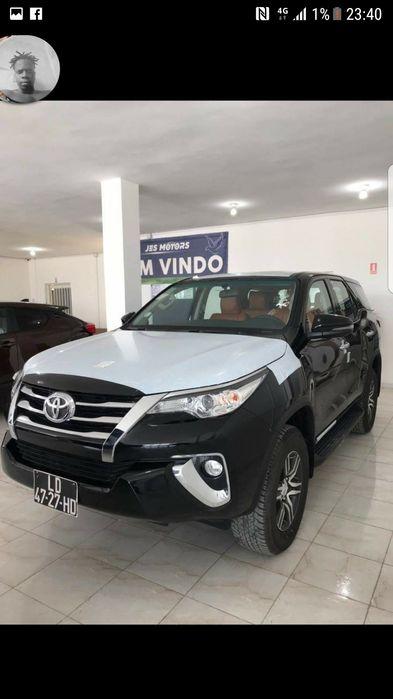 Toyota Fortuner a venda