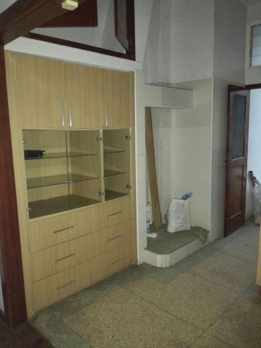 Vende-se Apartamento Tipo2 1WC 1°andar 2Park Dependencia_Malhangalene