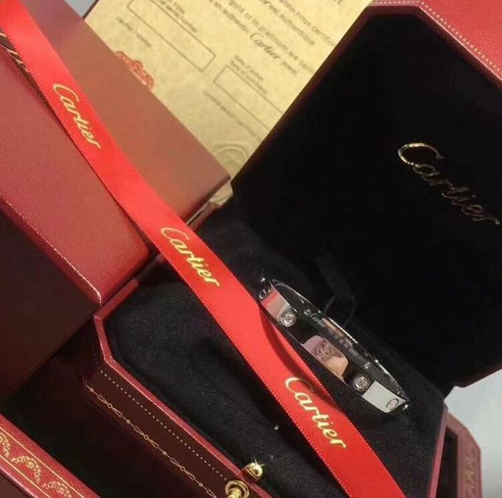 Позлатени гривни Cartier