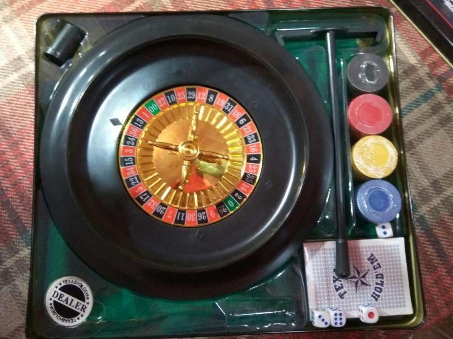 Ruleta cu carti și jetoane de poker