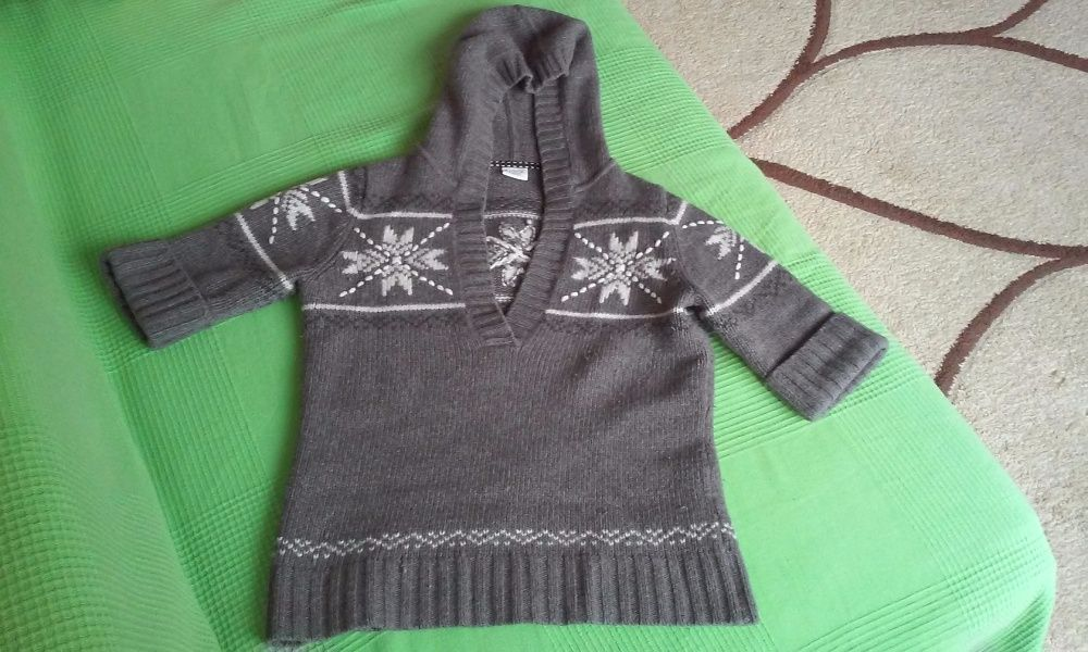 Немски вълнен пуловер Есприт, нов, много плътен и топъл,само днес 5лв