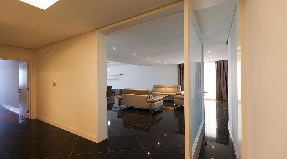 Vende-se Apart T4 Mobilado no Condomínio Xiluva Grande Sommerschield - imagem 2