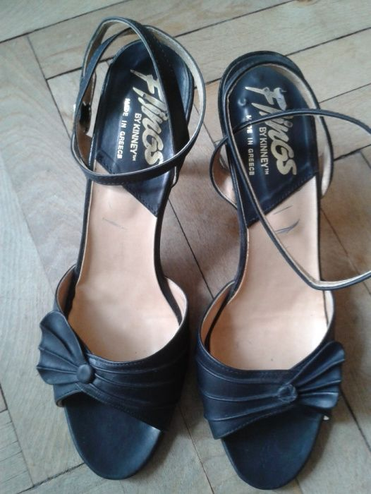 Дамски сандали, обувки, боти