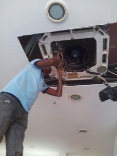 Reparação e manutenção de ar condicionados arcas geleiras bebedouros