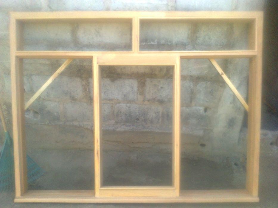 26- Portas madeira macica, arosm janelas, mobilias, cozinha americana