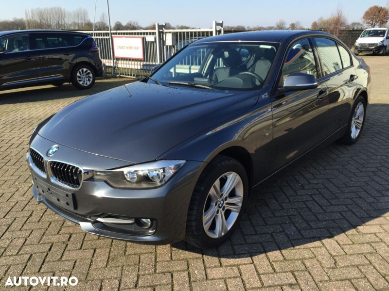 BMW seria 3 F30 an 2014 Interior complet piele crem - in stare foarte buna
