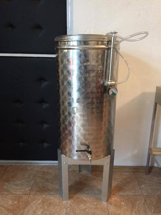 Cisterna inox Butoi/Vas/Vinificatie 500 L capac flotant
