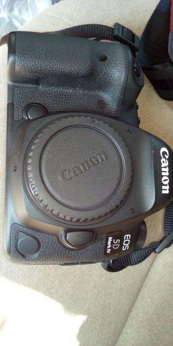 Canon 5D Mark iv body novinha