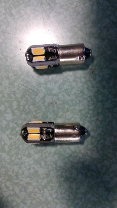 Продава лед лампи BA9S T4W