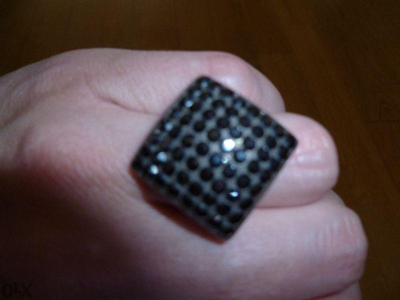 Страхотен пръстен