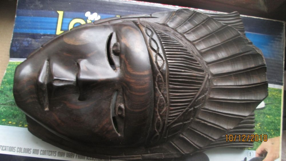 +Продавам маска от махагон - дърворезба+