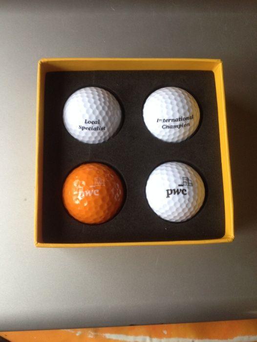 Set mingi de golf 4 x , in cutie originala