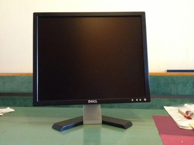"""Monitor Dell 17 """" inch"""