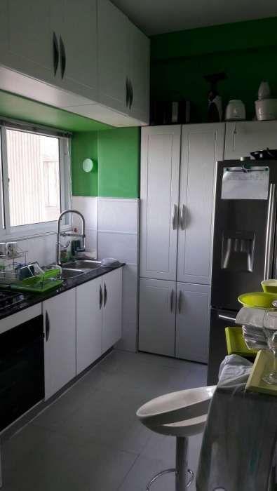 Vende se luxuoso apartamento tipo2, com moveis nas Torres Vermelhas