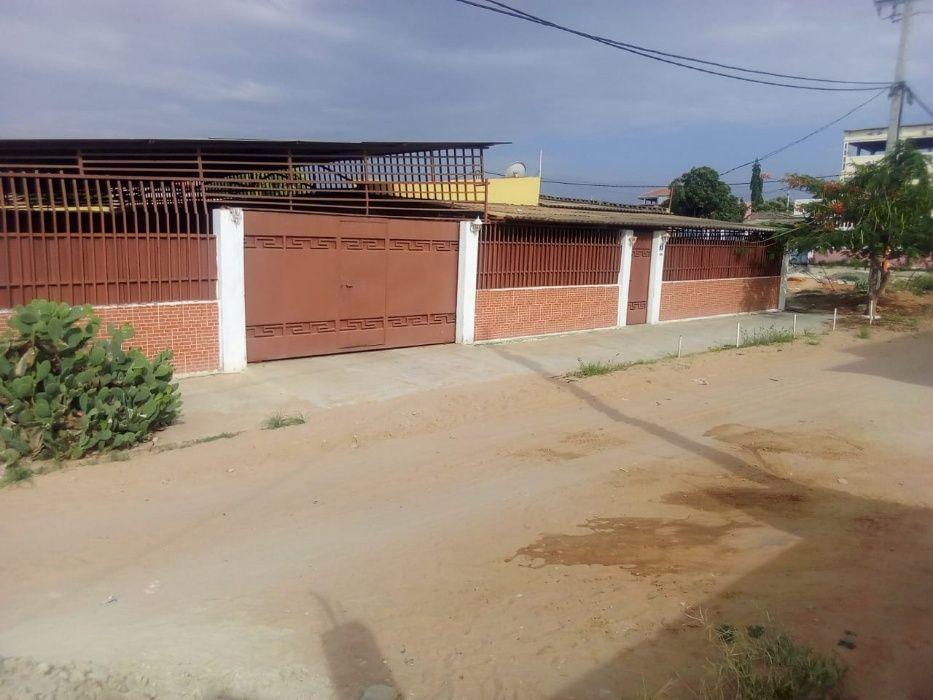 Vendo esta Casa T3 em Viana, no Bairro Jacinto Tchipa Luanda Sul