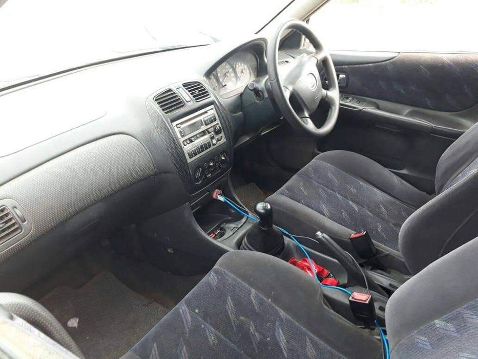 Mazda familia limpo manual bom preço para hoje Cidade de Matola - imagem 4