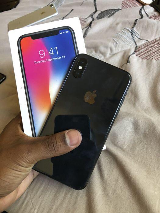 iPhone X 64gb com box e cabo super clean ( Aceito diferenças)