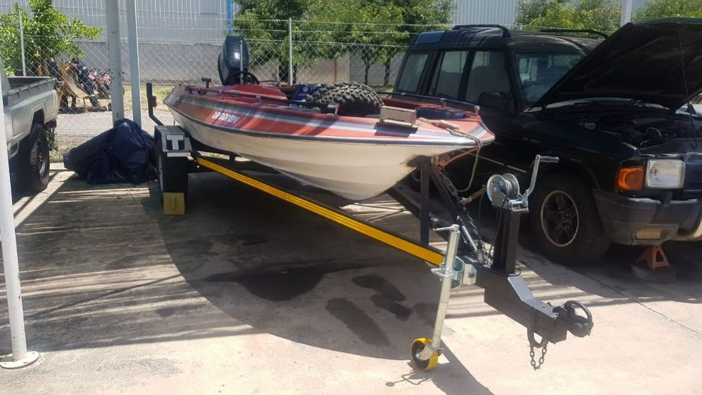 Vende se Barco a venda com motor 90HP