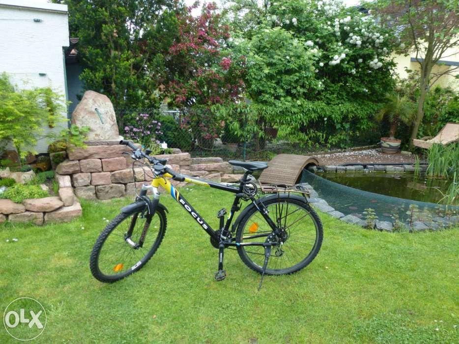 Bicicleta Focus, cadru usor de aluminiu, shimano Altus.