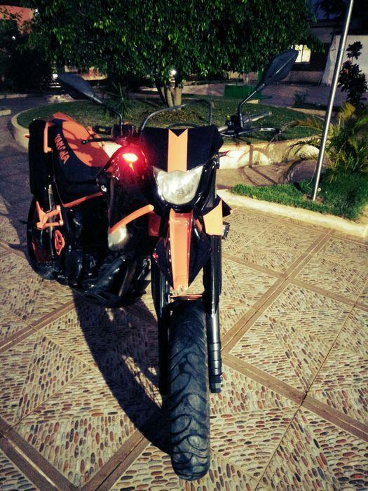 Vend XtX 660 Yamaha SuperMota 660 Cilindrada sem Problemas