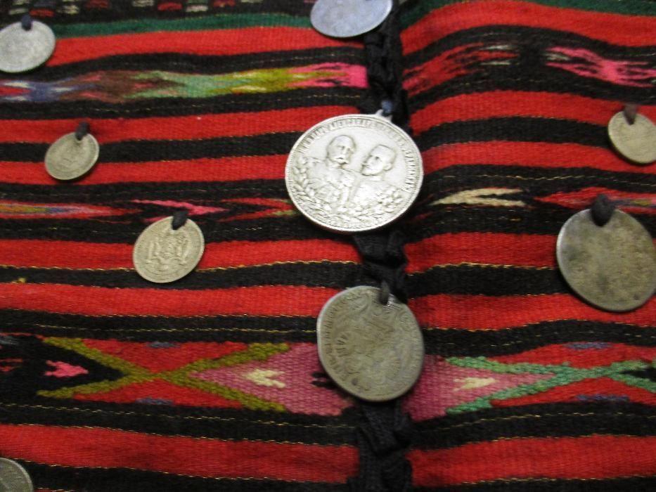 Автентична фолклорна престилка с 37 пришити монети + бонус