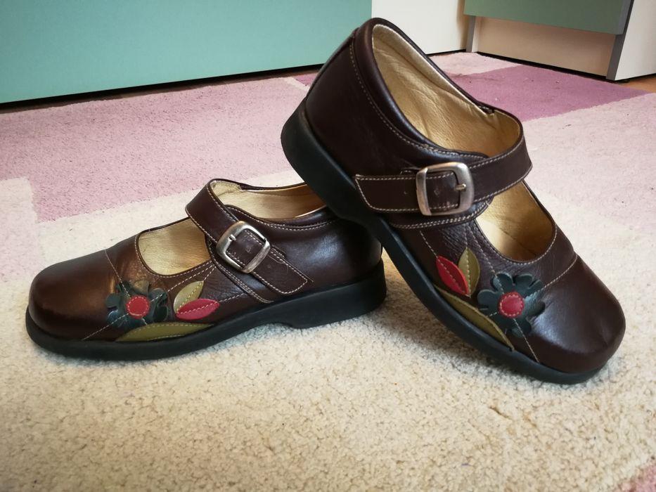 Pantofi piele fete mărimea 34