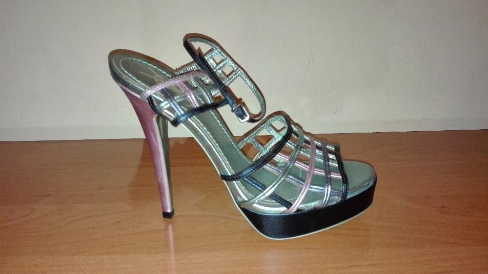 Оригинални дамски сандали Ив Сен Лоран