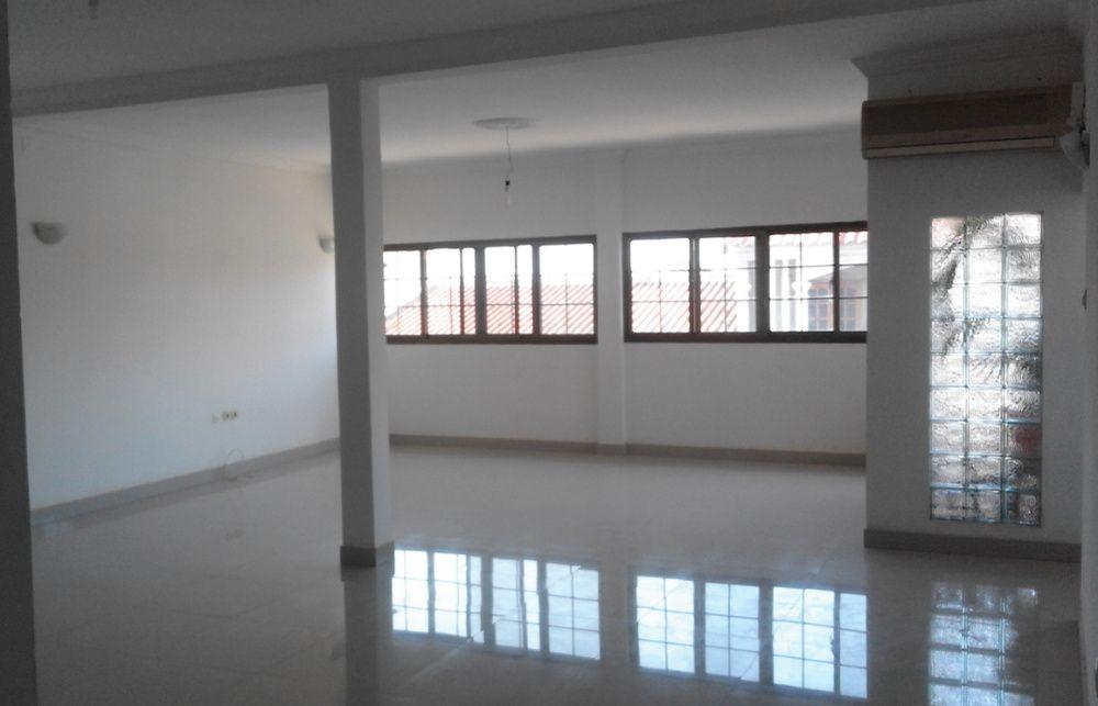 Aluguer de imóvel q poderá servir para escritório/Atelier/loja/casa