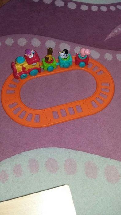 Trenulet pe sine