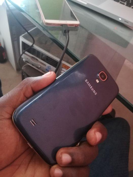 Vende-se Telefone Samsung Galaxy S4