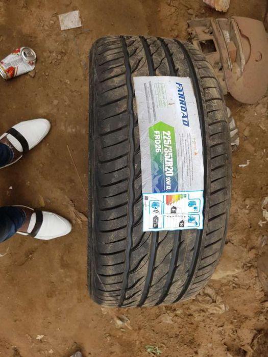Vendo os meus 4 pneus novos 225/35 R 20