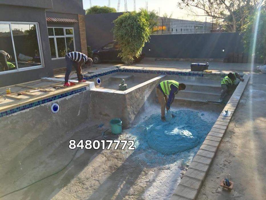 Construção de piscinas e serviços